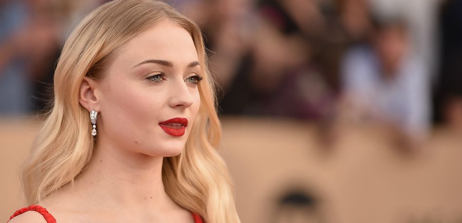 Sophie Turner attends the 23rd Annual Screen Actors Guild Awards at The Shrine Expo Hall on January 29, 2017 in Los Angeles, California
