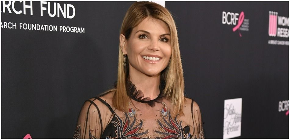 Lori Loughlin attends WCRF's 'An Unforgettable Evening' Presented by Saks Fifth Avenue