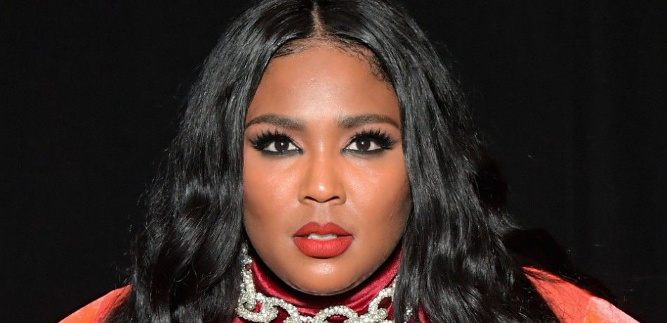 "Lizzo: ""I Want My Lips To Look Like I'm Ready To Suck A D**k"""