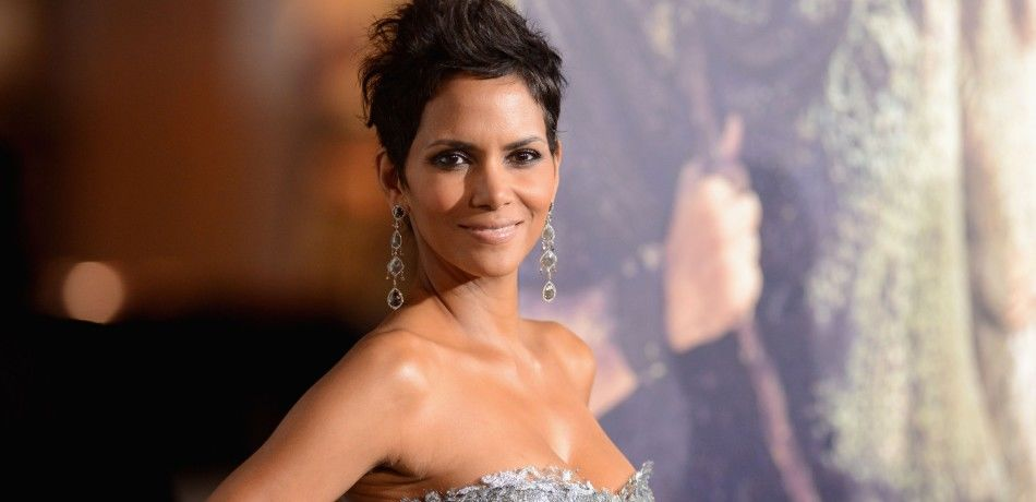 "Halle Berry arrives at Warner Bros. Pictures' ""Cloud Atlas"" premiere at Grauman's Chinese Theatre on October 24, 2012"