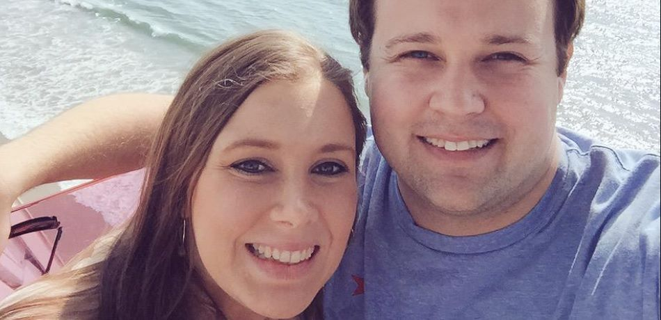 Josh and Anna Duggar pose for a selfie together.