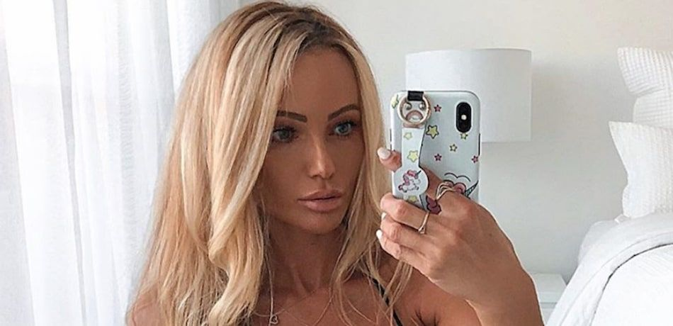 Abby Dowse takes a selfie.